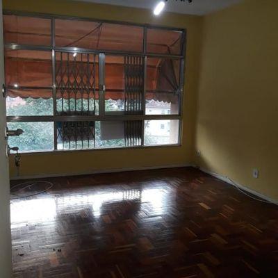 Apartamento vazio 2 quartos vaga vista livre