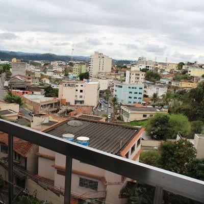 Apartamento para venda e locação - Apartamento 3 quartos (1 Suíte), banheiro social, dependências completas e vaga de garagem - Rua Leda Guimarães Macedo, São João, Volta Redonda - RJ