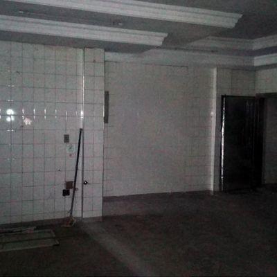 Loja ampla com 360 m² com pé direito alto - Avenida Presidente Kennedy, Ano Bom, Barra Mansa - RJ