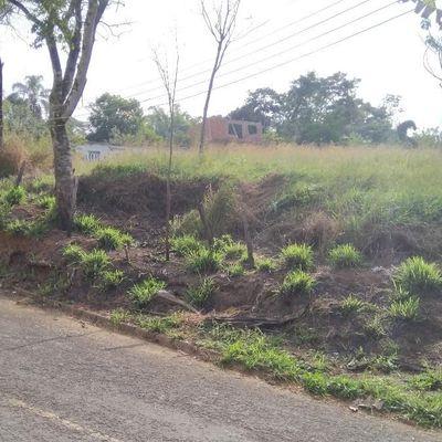 Área / Terreno sobre platô com 4.200 m2, Candelária, Volta Redonda - RJ