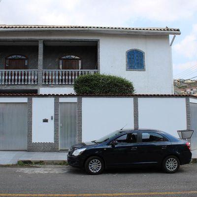 Casa para Venda - Casa Duplex de esquina com 220 m² de área construída - Rua Sebastiana Tambasco, Voldac, Volta Redonda - RJ