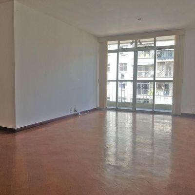 Apartamento amplo Ingá varanda 3 quartos suite dependência empregada 2 vagas