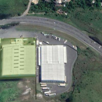 Área com 17.000 m², Galpão Barracão com 10.500 m² e área administrativa, refeitório com 1.000 m² - Rodovia Presidente Dutra, Barra Mansa - RJ - Galpão para locação