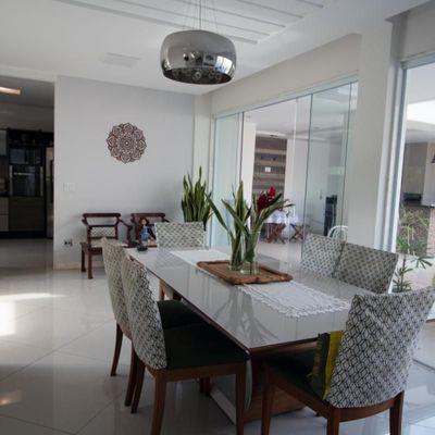 Casa Triplex - 3 Quartos (1 Suíte) e 4 vagas de garagem com ampla área de lazer - Vivendas do Lago, Volta Redonda, RJ