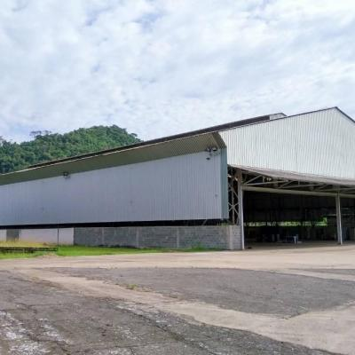Estrutura Metálica completa de Galpão para venda - Galpão com 2.300 m² de área coberta, pé direito de 8 metros