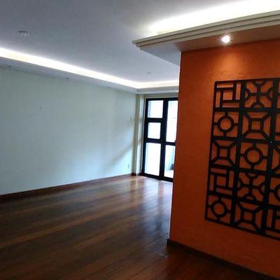Bom apartamento Ingá 3 quartos suite armários 2 vagas