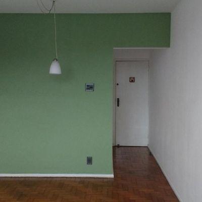 Bom apartamento Centro Niterói 1 quarto vaga vista livre