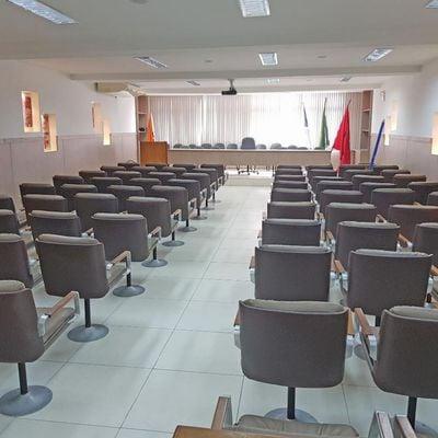 Prédio para Venda - Oportunidade - Prédio comercial com auditório, 12 salas e 6 vagas - Centro, Niterói - RJ