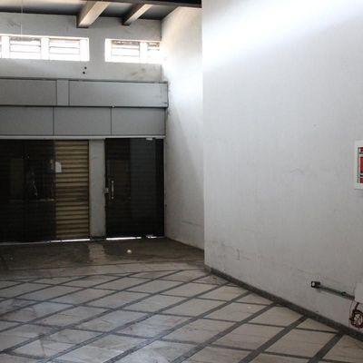 Loja para aluguel - Loja de 300 m² na Beira Rio - Avenida Almirante Adalberto de Barros Nunes, Vila Mury, Volta Redonda - RJ