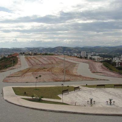 Terreno / Lote de terra para venda - Lote com 320 m² com ótima localização no Loteamento Jardim Provence 2 - Jardim Santa Helena, Volta Redonda - RJ