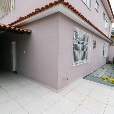 Casa para Locação / Aluguel - Casa Linear composta de Sala integrada a Cozinha e 2 Quartos (sendo 1 Suíte) com Garagem Coberta - Rua Luís Lopes Dornelas, Aeroclube, Volta Redonda - RJ