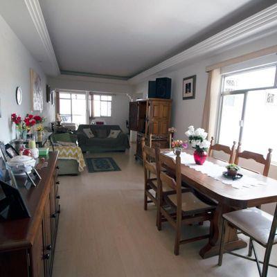 JOLC - Ótimo apartamento de 3 Quartos convertido em 2 Quartos (sendo 1 Suíte), dependências completas, 1 Vaga de Garagem - Rua Leda Guiamaraes Macedo, São João, Volta Redonda - RJ
