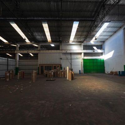 Galpão para locação / Aluguel - Barracão com 2.000 m² - Floriano, Barra Mansa -RJ