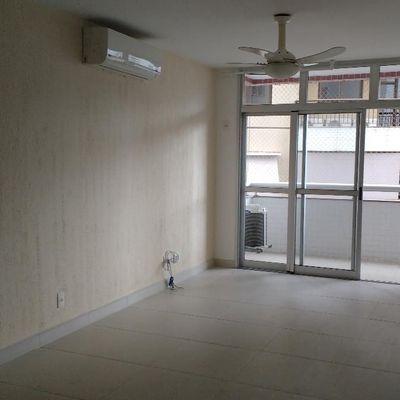Bom apartamento 3 quartos suite armários 2 vagas lazer perto Salesiano e Hospital N S Auxiliadora