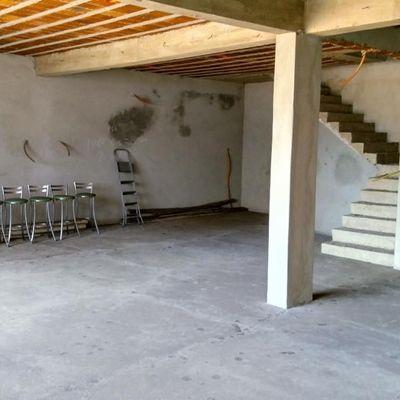 Loja para locação - Loja com aproximadamente 400 m², sendo 300 m² de área ao nível da rua e 2 pavimentos de 80 m² - Avenida Gustavo Lira, Centro, São João, Volta Redonda - RJ