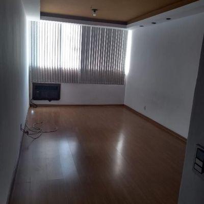 Apartamento bem localizado perto Centro UFF 2 quartos dependência reversível