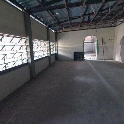 Imóvel comercial Galpão para locação - Área do terreno com 450 m² e 300 m² de área coberta, escritório, cozinha e banheiros - Rua Doutor Arnaldo Barreira Cravo, Voldac, Volta Redonda - RJ