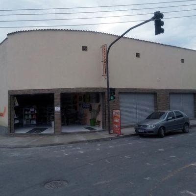 Loja para locação - Loja com 100 m² no primeiro pavimento e mezanino de 50 m² - Rua Sagres, nº 50, Retiro, Volta Redonda - RJ