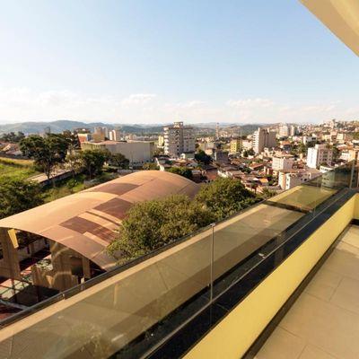 Apartamento para Venda e Locação - Apartamento com 147 m² composto de 3 Suítes (sendo 2 com varanda), Sala com Varanda e Lavabo - Rua São João, São João, Volta Redonda - RJ