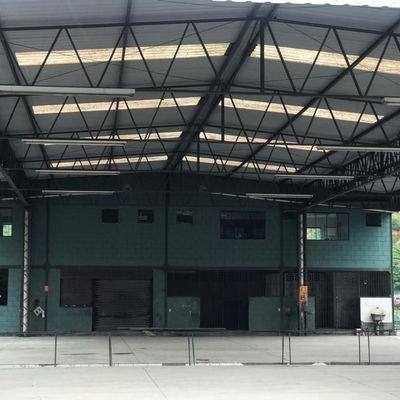 Área com galpão para Locação - Área com 4.200 m², Galpão com 400 m² e Administração com 500 m² - Rodovia Presidente Dutra, Barra Mansa - RJ