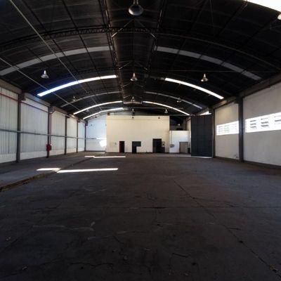 Barracão / Galpão para locação e Venda - Galpão com 1.100 m2 pé direito de 8 metros - Barra Mansa