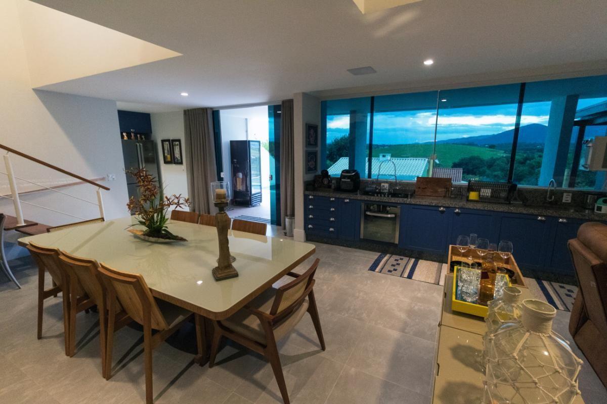 Casa Duplex para venda - Casa Mobiliada de Alto Padrão com 2 Suítes - Penedo, Itatiaia - RJ