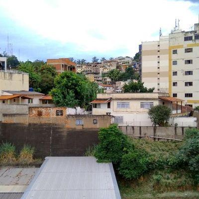 Apartamento para Modernização - 3 Quartos com vaga de garagem - Abdo Felipe, Ano Bom, Barra Mansa - RJ