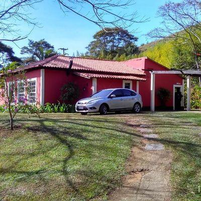 Chácara com Lago, Casa Linear Renovada com área de 20.000 m² - Valença - RJ