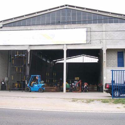 Galpão com 800 m² de área coberta e 200 metros de pátio fontal na entrada de Penedo - Rodovia Rubéns Tramujas Mader RJ-163, Penedo, Itatiaia - RJ