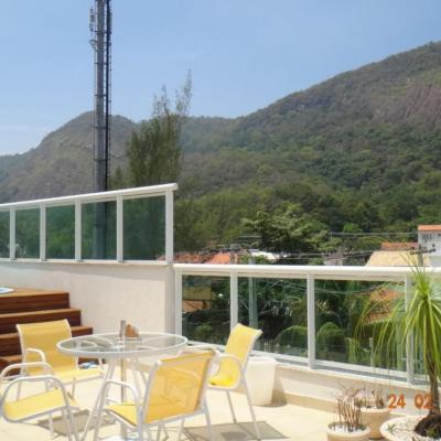 Oportunidade: Linda cobertura Itaipu próxima Itacoatiara 3 quartos piscina