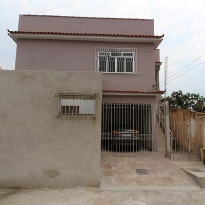 Casa para locação - Casa ampla do tipo sobrado de 3 quartos (1 Suíte) e Vaga de garagem - Rua Luiz Lopes Dornellas, Aeroclube, Volta Redonda - RJ