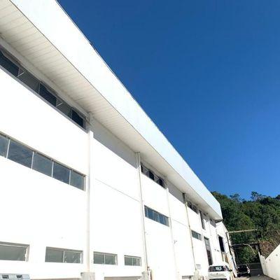 Excelente Prédio Para Locaçâo Na Av. Osvaldo Reis/itajaí Medindo 700m² Com Total Infraestrutura Para Seu Comércio.