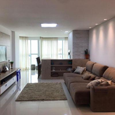 Cartagena Residence! Ótimo apartamento com 03 suítes e 02 vagas de garagem com excelente localização na Av. Brasil!