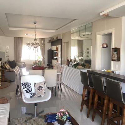 Apartamento com 03 suítes e 03 vagas de garagem