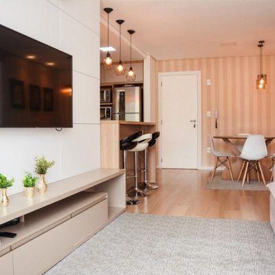 Apartamento de  02 dormitórios sendo 01 suítes e  01vaga de garagem privativa