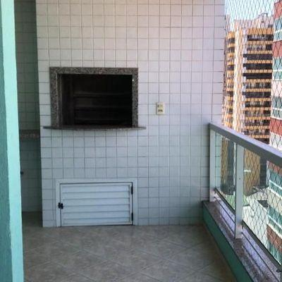 Apartamento com 03 dormitórios e 02 vagas de garagem privativas a poucos metros da Av. Brasil