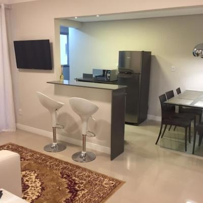 Apartamento 02 suites e 01 vaga privativa- perto do Shopping Atlântico
