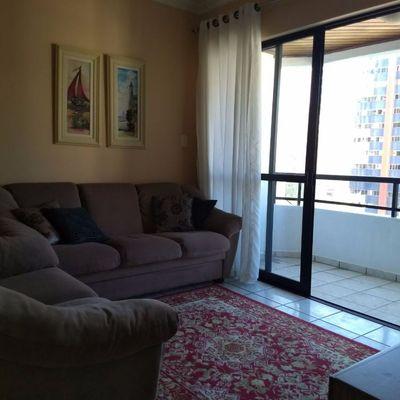 Ed. Vila Velha - 3 quartos na rua 3000, reta ao mar.
