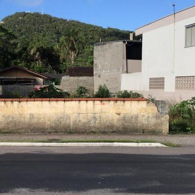 Terreno no bairro da Barra em Balneário Camboriu