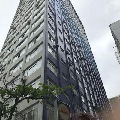 Apartamento mobiliado no Centro de Balneário Camboriú Com 3 Suítes mais 1 Dormitório e Dependência de Empregada