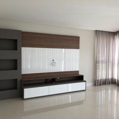Apartamento semi mobiliado com 4 suítes (sendo 1 master) + 3 vagas de garagem no bairro Fazenda em Itajaí