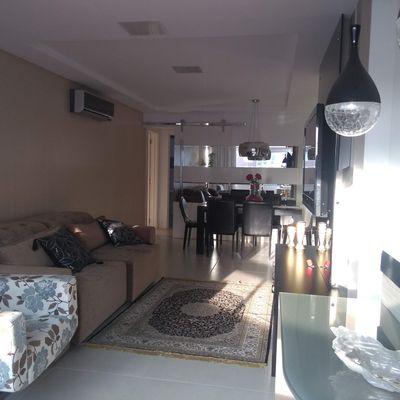 Excelente Apartamento Mobiliado e Equipado Com 1 Suíte e 2 Demi Suítes Condomínio Com área de Lazer 3 Vagas de Garagem Centro de Balneário Camboriú
