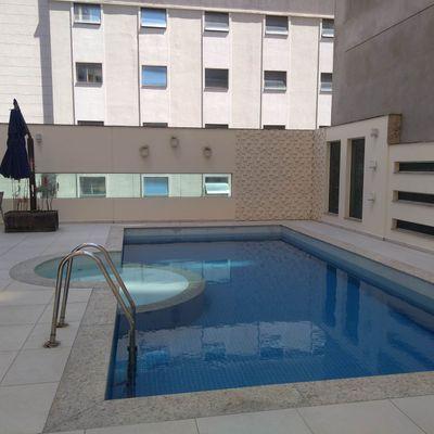 Próximo ao Mar - 01 Suíte mais 01 dormitório e 2 Vagas de Garagem no Centro de Balneário Camboriú