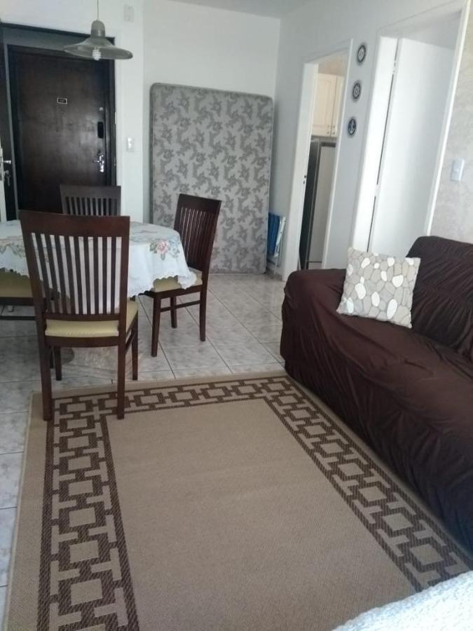 Apartamento de 01 dormitório para locação mensal na quadra do mar em Balneário Camboriú