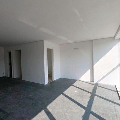 Escritório comercial no centro de Balneário Camboriu com 2 lavabos + cozinha + 1 vaga de garagem privativa