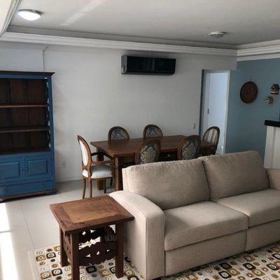 Apartamento à venda em Balneário Camboriú com 1 Suíte e 2 Dormitórios Mobiliado 2 Vagas de Garagem