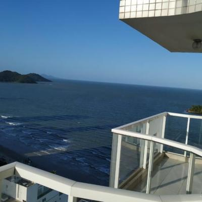 » Locação de Temporada. 01 suíte mais 02 dormitórios frente ao mar em região central