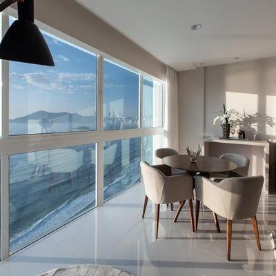 Apartamento na Av Atlantica com vista para o mar + 3 suítes (sendo 01 master) + 4 vagas de garagem + churrasqueira a gas