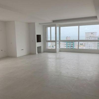Apartamento  com 3 suítes + 4 vagas de garagem + churrasqueira no centro de Balneário Camboriu