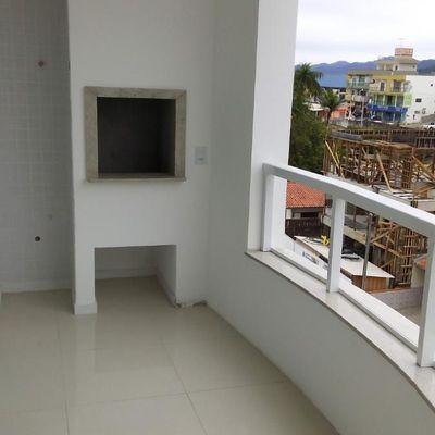 Apartamento mobiliado e decorado com 2 suites + 1 vaga de garagem no centro de Camboriu